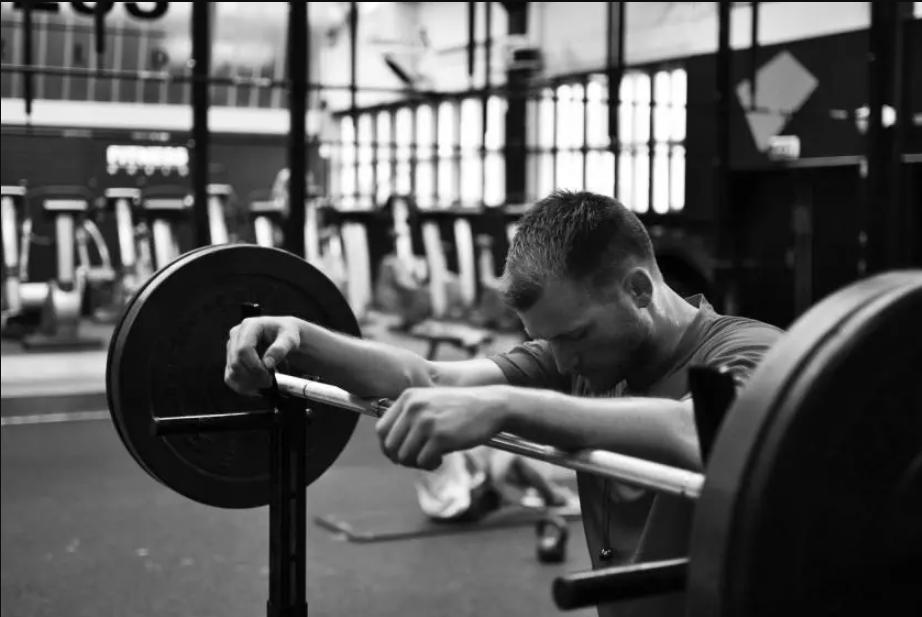 رهای ناگهانی ورزش با علائم افسردگی